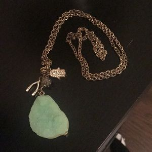 Jewelry - Bright pendant faux stone necklace🌿